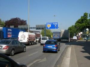 Kieler Straße in Stellingen kurz vor der A7