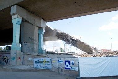 Reste der Langenfelder Brücke vor dem 2. Pfeiler