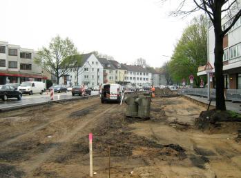 Die halbe Straße aufgerissen und der endlose Stau
